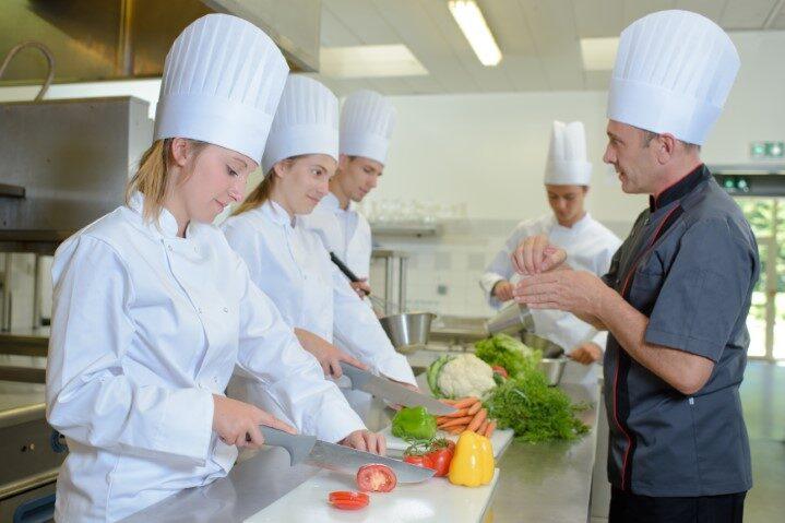 kok - keukenmedewerker - horeca-medewerker